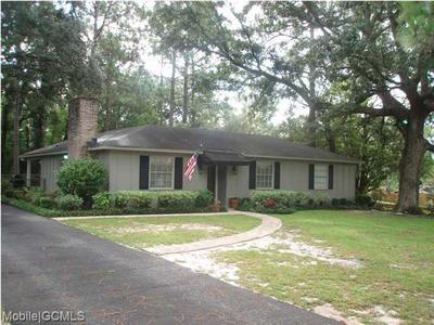 2455 Woodland Rd, Mobile, AL 36693