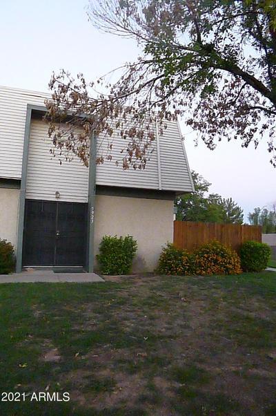 5923 W Golden Ln, Glendale, AZ 85302