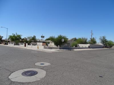 6544 N 52nd Dr, Glendale, AZ 85301