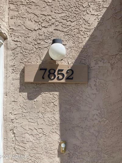 7852 E Coralbell Ave, Mesa, AZ 85208