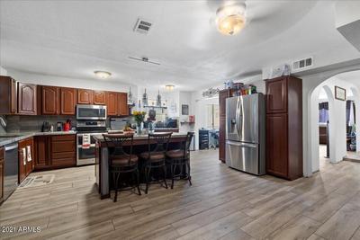 1025 W Danbury Rd, Phoenix, AZ 85023 MLS #6256292 Image 1 of 9