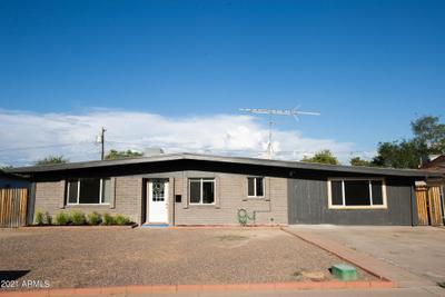 12007 N 36th St, Phoenix, AZ 85028 MLS #6272591 Image 1 of 31
