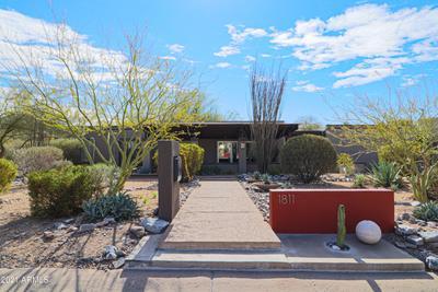 1811 E Aurelius Ave, Phoenix, AZ 85020