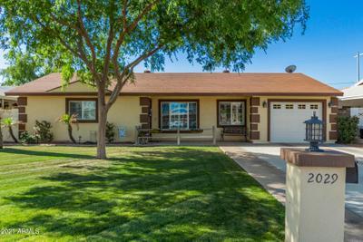 2029 E Clarendon Ave, Phoenix, AZ 85016 MLS #6220399 Image 1 of 26
