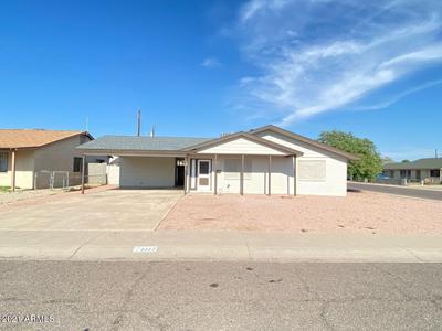 2327 N 56th Dr, Phoenix, AZ 85035