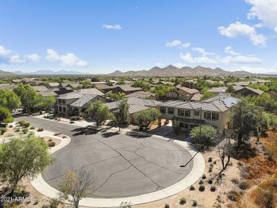 2433 W Horsetail Trl, Phoenix, AZ 85085