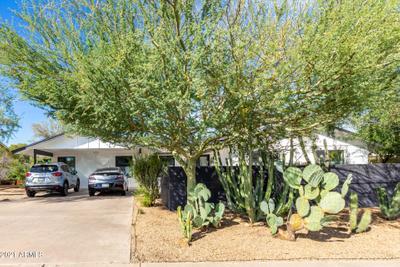 2526 E North Ln, Phoenix, AZ 85028