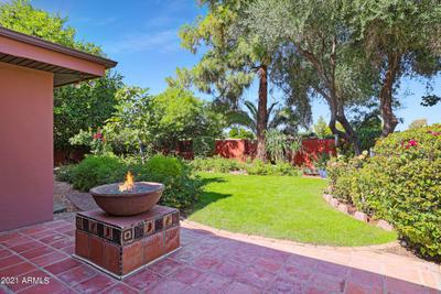 2916 E Las Rocas Dr, Phoenix, AZ 85028