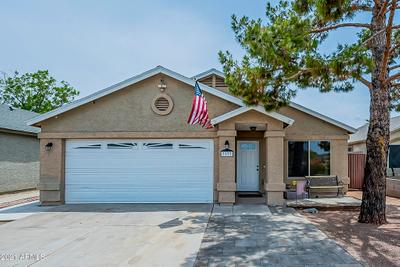 3137 W Los Gatos Dr, Phoenix, AZ 85027 MLS #6252851 Image 1 of 40