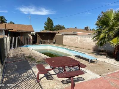 4615 N 58th Dr, Phoenix, AZ 85031