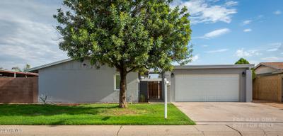 6137 W Crittenden Ln, Phoenix, AZ 85033
