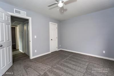 6137 W Crittenden Ln Image 3 of 17