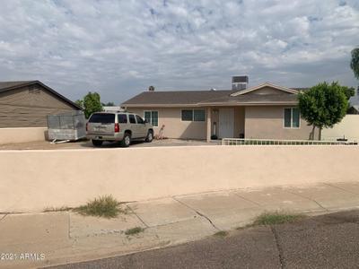8646 W Heatherbrae Dr, Phoenix, AZ 85037