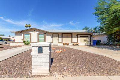 8824 W Avalon Dr, Phoenix, AZ 85037