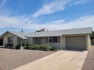 10129 W Desert Hills Dr, Sun City, AZ 85351