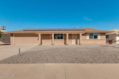 10537 W Prairie Hills Cir, Sun City, AZ 85351