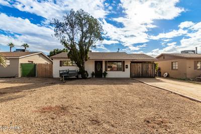 2077 E Don Carlos Ave, Tempe, AZ 85281