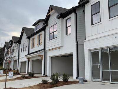 19 Auburn Rd, Auburn, GA 30011