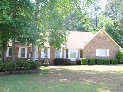 8039 Woods Ln, Jonesboro, GA 30236