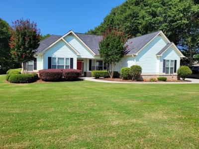 4141 Beaver Rd, Loganville, GA 30052