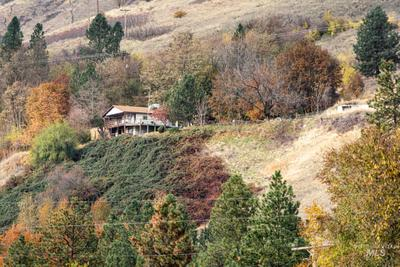 35864 River Rd, Lenore, ID 83541