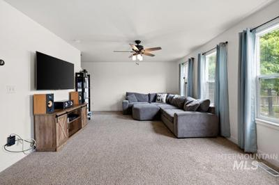 10852 Cocoon St Image 3 of 11