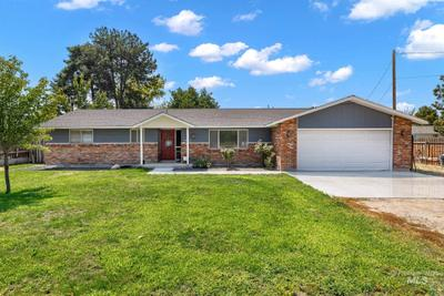 1211 Smith Ave, Nampa, ID 83651 MLS #98812974 Image 1 of 32