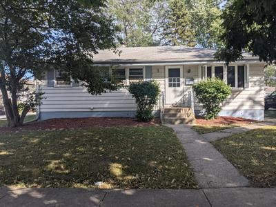 17819 Oakwood Ave, Lansing, IL 60438