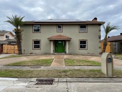 12051 E Barrington Dr, New Orleans, LA 70128