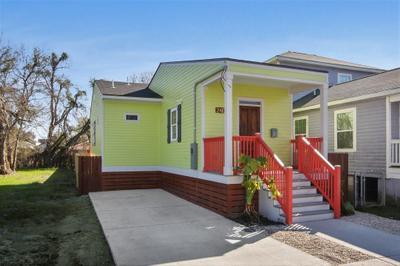 2409 Pauger St, New Orleans, LA 70116