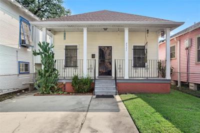 2547 Saint Philip St, New Orleans, LA 70119