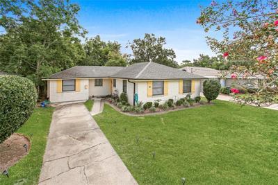 414 River Oaks Dr, New Orleans, LA 70131