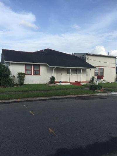 4501 Rhodes Dr, New Orleans, LA 70126