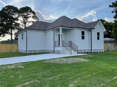 4800 Gabriel Dr, New Orleans, LA 70127