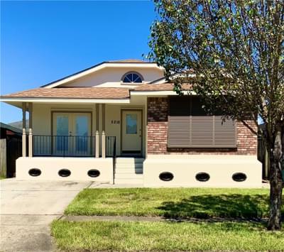 5218 Timber Crest Dr, New Orleans, LA 70131