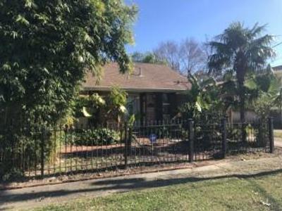 5227 Marigny St, New Orleans, LA 70122