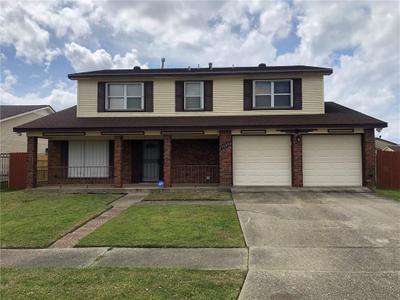 7240 Pinebrook Dr, New Orleans, LA 70128