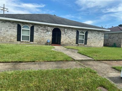 7481 Restgate Rd, New Orleans, LA 70127