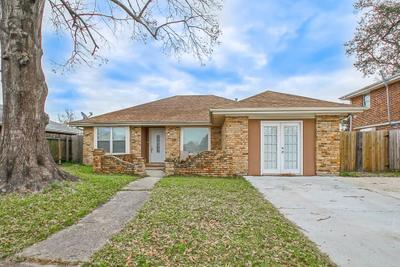 7511 Crestmont Rd, New Orleans, LA 70126