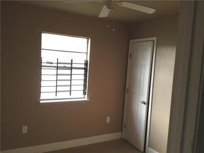 7589 Shorewood Blvd Image 6 of 10