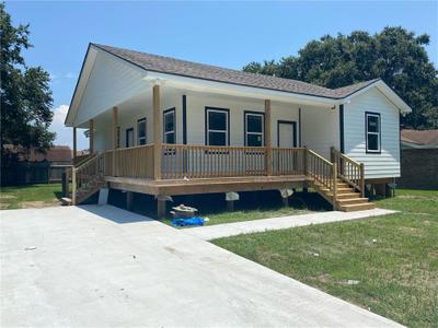 7941 Branch Dr, New Orleans, LA 70128