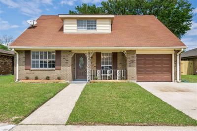 8007 Sandy Cove Dr, New Orleans, LA 70128