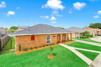 8541 Morrison Rd, New Orleans, LA 70127