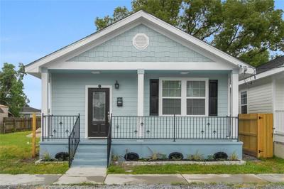 9026 Marks St, New Orleans, LA 70118