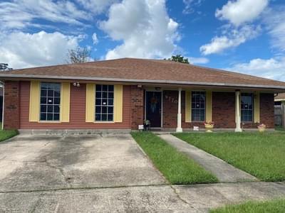 9770 W Wheaton Cir, New Orleans, LA 70127