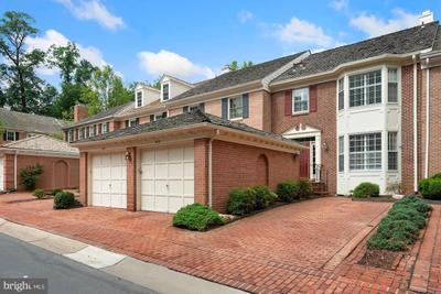 9718 Barrister Ct, Bethesda, MD 20814