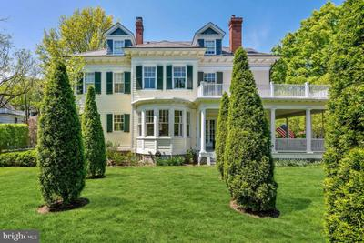 10 E Kirke St, Chevy Chase, MD 20815