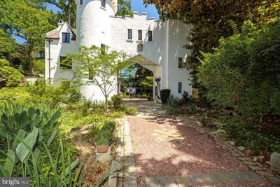 3207 Woodbine St, Chevy Chase, MD 20815