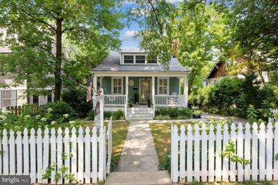 3517 Turner Ln, Chevy Chase, MD 20815