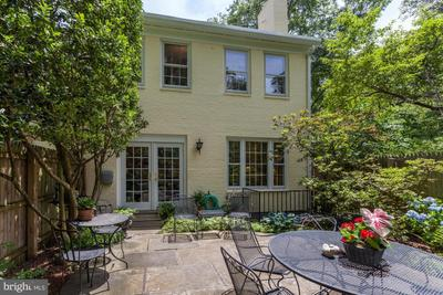 3519 Chevy Chase Lake Dr #1001, Chevy Chase, MD 20815